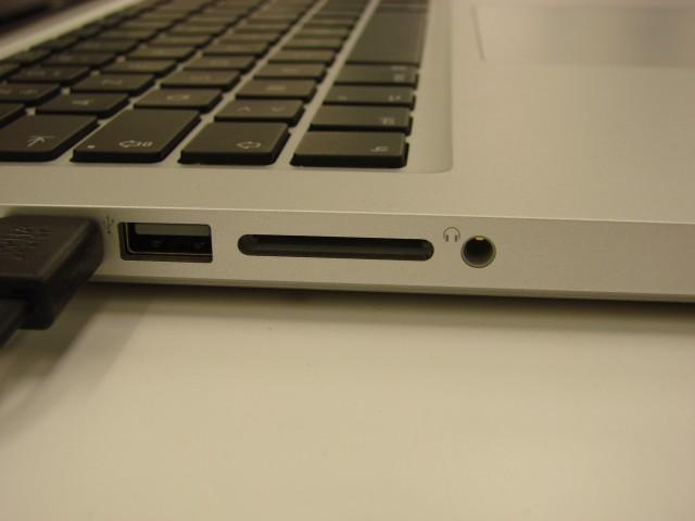 """Pas d'entrée ligne sur le MacBook Pro 13"""". Ne devrait pas ravir les musiciens."""